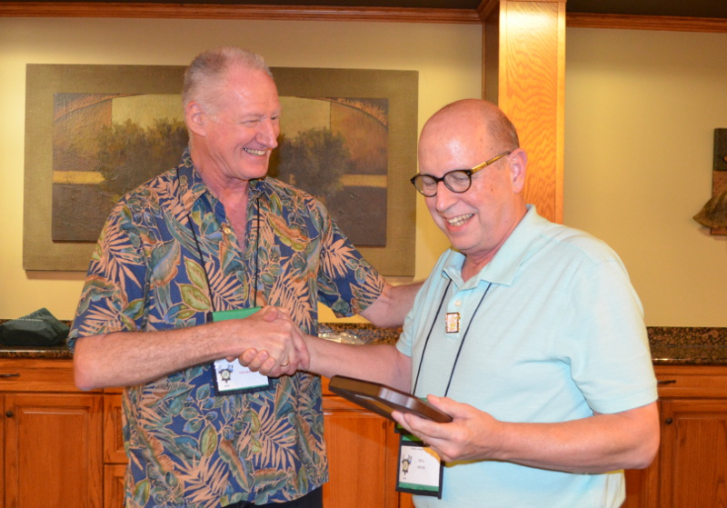 Bill Beem (right) receives the 2019 L. Frank Baum Memorial Award from last year's winner, Bill Thompson. (Photo courtesy of Bill Thompson.)